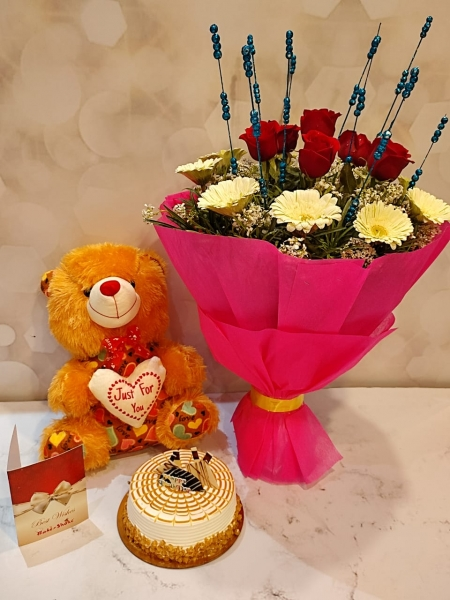 WHITE FOREST CAKE, BOUQUET AND TEDDY