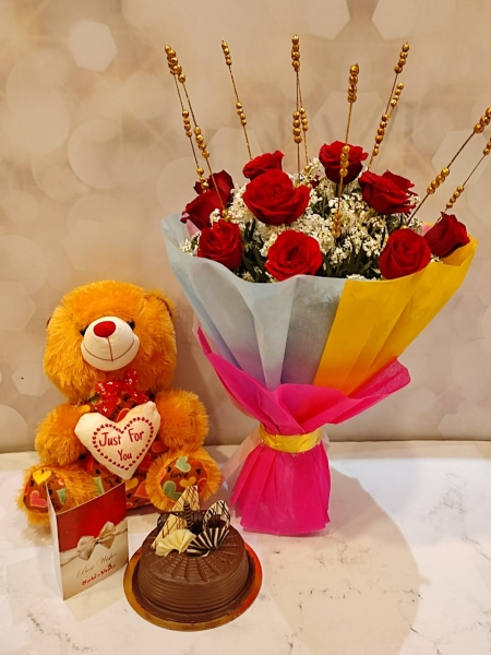 CHOCOLATE CHIPS CAKE, BOUQUET AND TEDDY