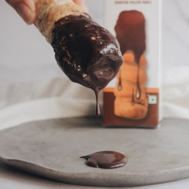 Chocolate Dip Cream Roll (Eggless)