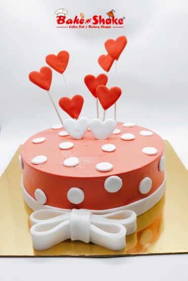 RED AND WHITE HEARTS CAKE